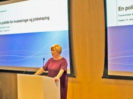 Siv Jensen presenterte statsbudsjettet for næringslivet i Bergen i Sparebanken Vest sine lokaler på Jonsvoll.