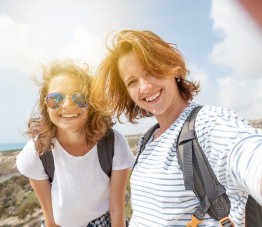 Det er viktig å merke seg hvor lenge reiseforsikringen varer, spesielt er dette viktig for unge som legger ut på langreise. (Foto: Colourbox)