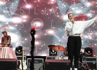 2500 barnehagebarn opplevde Silja Sol i helt greit bergensvær på tidlig formiddagen dagen før dagen på Bergenfest Ung.