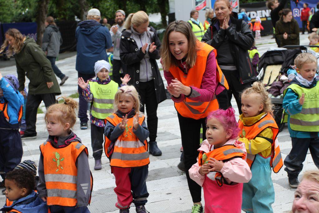 De yngste sto ikke tilbake for noen som festivalpublikum, slik som denne gjengen fra Espira Ulsetskogen.