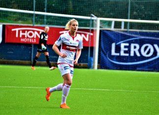 Sandviken-stjernen Ingrid Spord har vendt tilbake til Sandviken fra italienske Fiorentina. Litt av grunnen er at hun får anledning til å være ambassadør for IL Sandviken Toppfotball sin store satsing «Toppfotballsamarbeid Vest» (Foto: www.hordalandsfotball.no).