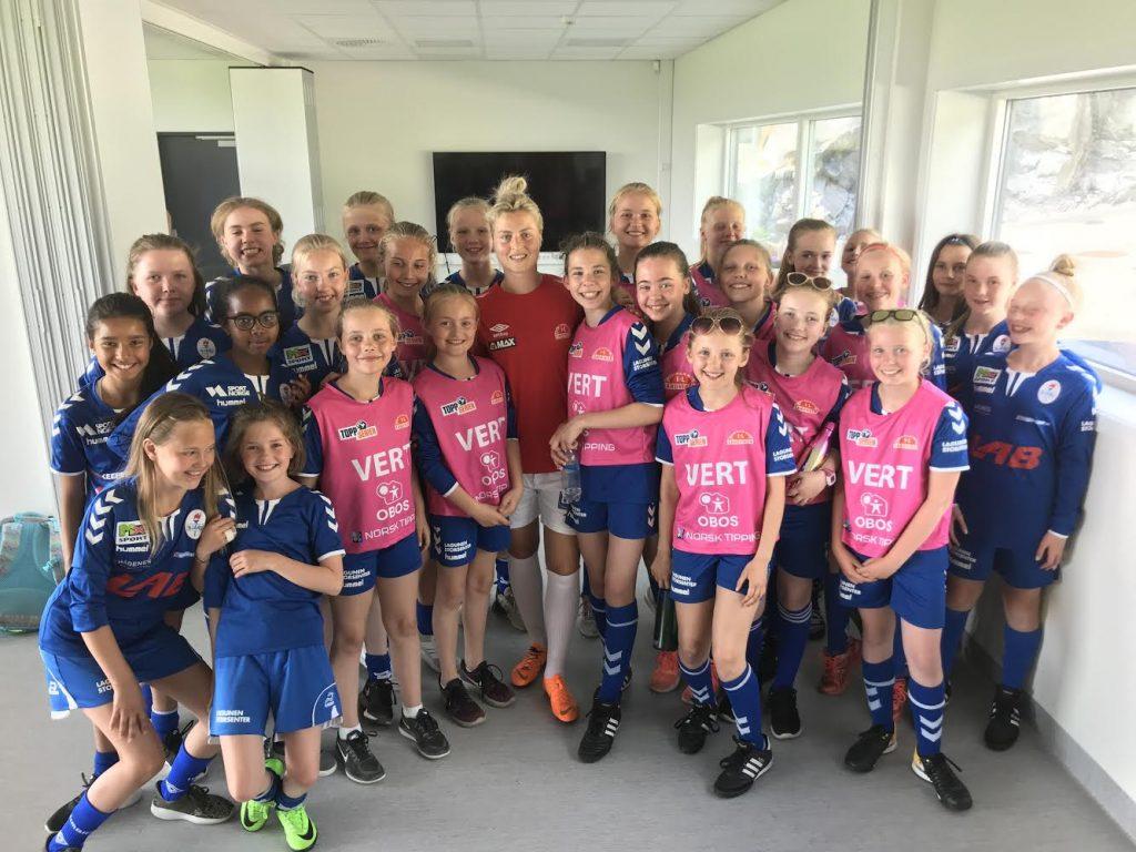 A-laget til IL Sandviken Toppfotball, der Ingrid Spord er midtbanehelten, ligger akkurat nå på andreplass i eliteserien. Gjennom «Toppfotballsamarbeid Vest» vil den videre rekrutteringen skje fra hele Bergens-området.