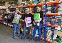 Fra venstre: Innkjøper Vidar Kristing, daglig leder Roger Holthe Olsen og COO Stian Dahle på lageret i Bergen.