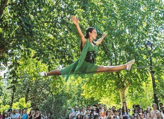Bergen Fringe Festival vil tilby gratis utendørsforestillinger (med værforbehold) i festivalperioden 6. - 9. september. Her det italienske sirkuset Autoportante som blir å se i Nygårdsparken.