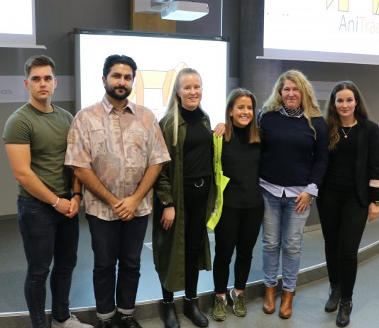En jury med god kunnskap om hva som kreves for å lykkes med en gründer-bedrift ga ideen til Ingrid Ødegård (nr. 3 fra høyre) gullbillett til NM for studentbedrifter i Oslo i juni 2019. (Foto: Sparebanken Vest)