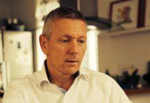 Daglig leder hos markedsteknologiselskapet ROCS, Lars Christian Wilhelmsen (i front) omtaler nylanseringen Buffer som en redning for små og mellomstore bedrifter. (Foto: ROCS)